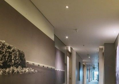 Luminor Hotel Pecenongan Jakarta Interior