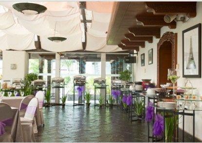 Lumire Hotel & Convention Center Rumah Makan