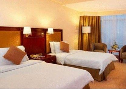 Lumire Hotel & Convention Center Kamar Tamu