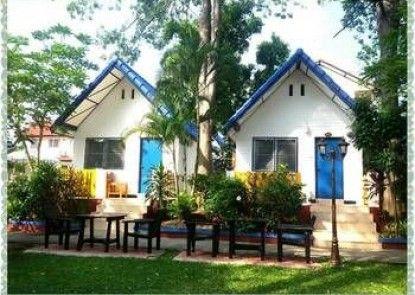 Lunar Hut Resort