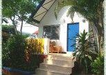 Pesan Kamar Kamar di Lunar Hut Resort