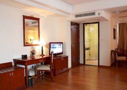 Lux Riverside Hotel & Apartment