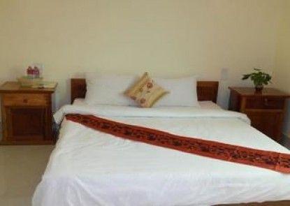 Lux Star Town Hotel