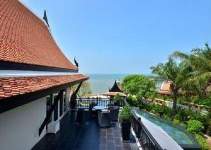 Luxury 5 star beach villa 6 beds