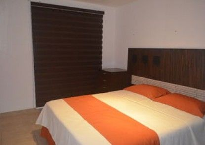 Luxury Apartment 3 r private beach