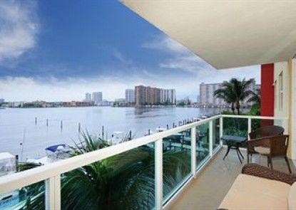 Luxury Apartments At Intracoastal