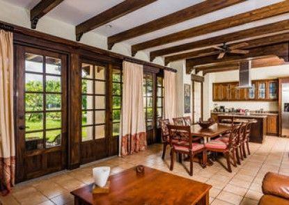 Luxury Villa Rentals at Hacienda Pinilla