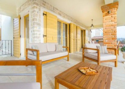 Luxury Villas Kras Ladies