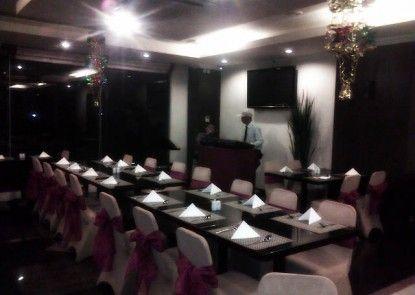 Lynt Hotel Makassar Rumah Makan