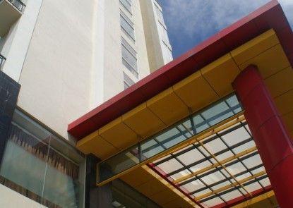 Lynt Hotel Makassar Teras