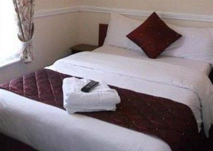 Lynwood Hotel