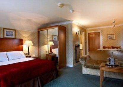 Macdonald Elmers Court Hotel