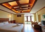 Pesan Kamar Deluxe Sea View di Mac Resort Hotel
