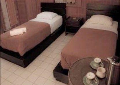 Madukoro Hotel Kamar Tamu