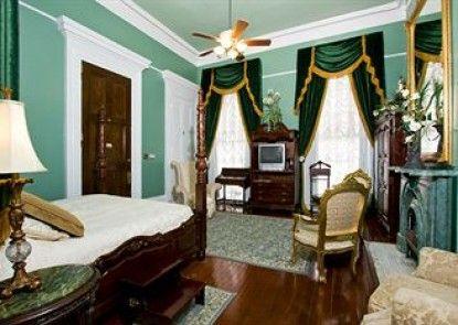 Magnolia Mansion Teras