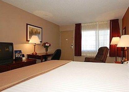 Magnuson Hotel Red Baron