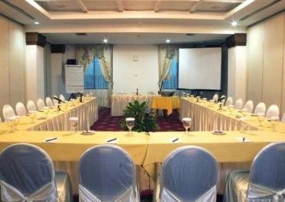 Maharani Hotel Jakarta Ruangan Meeting