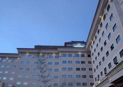 Maharani Hotel Jakarta Eksterior