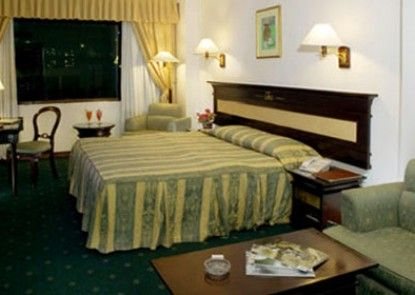 Maharani Hotel Jakarta Kamar Tamu