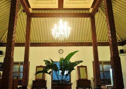 Maharani Guesthouse Interior