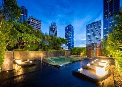 Maitria Hotel Sukhumvit 18 – A Chatrium Collection Kolam Renang