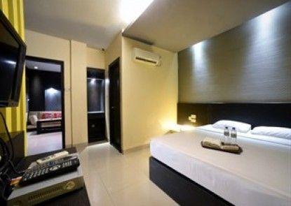 Majestiq Hotel Pekanbaru Teras