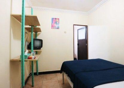Makaliwe Residence Kamar Tamu