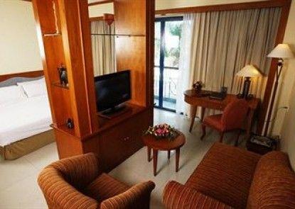 Makassar Golden Hotel