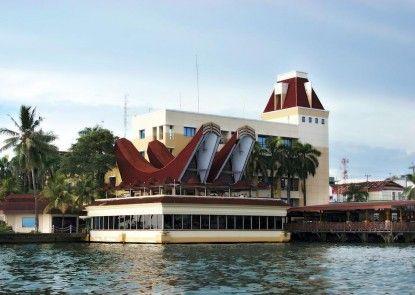 Makassar Golden Hotel Eksterior