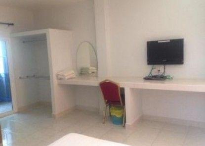 Malin House Apartment 1 Trang
