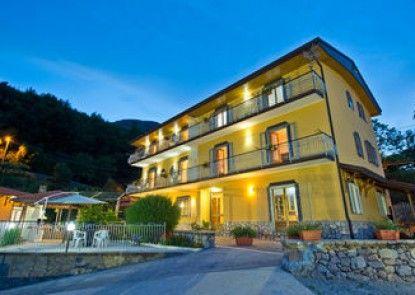 Mamaral Resort