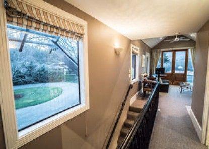 Manata Lodge Luxury Serviced Apartments