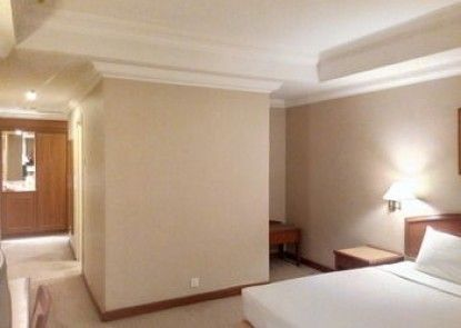 Mandarin Court Hotel