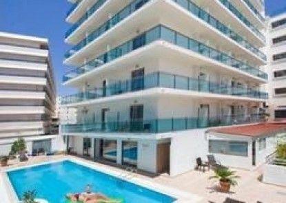 Manousos City Hotel