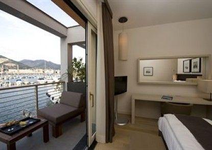MarinaPlace Resort & Spa