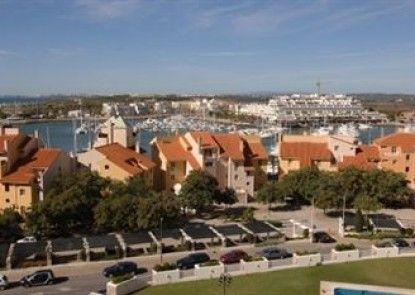 Marina Plaza - Apartments