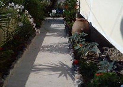 Marina\'s Studios