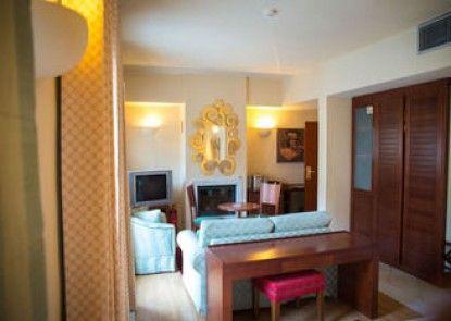 Maritsa\'s Hotel Suites