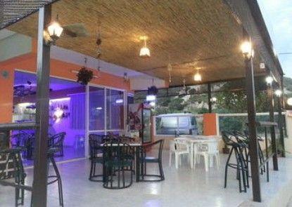 Maroula Blue Studios & Suites