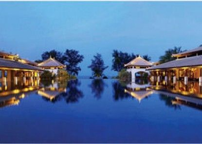 Marriott\'s Phuket Beach Club