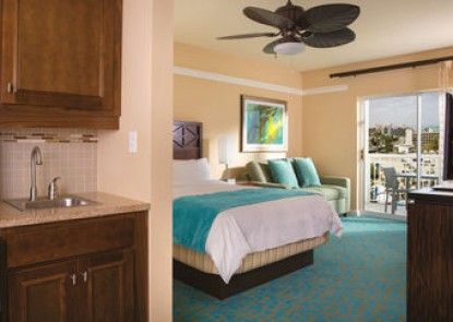 Marriott\'s Aruba Surf Club