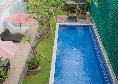 MarsCity Hotel Kolam Renang