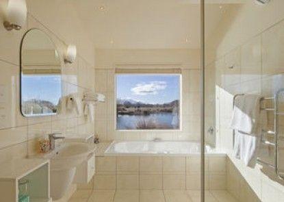 Matuka Luxury Lodge