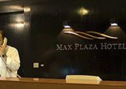 Max Plaza Hotel