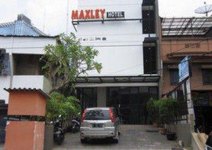Maxley Pluit Teras