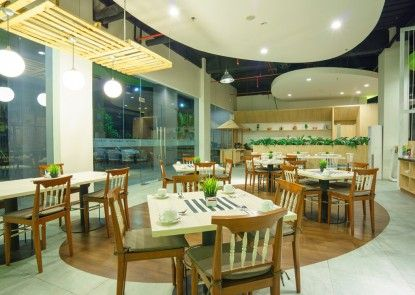 MaxOneHotels at Bounty Sukabumi Kafe
