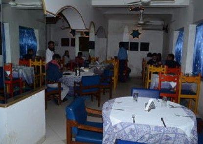 Maya Hotel & Restaurant