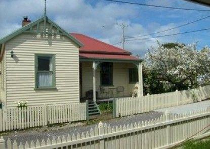 McIntosh Cottages