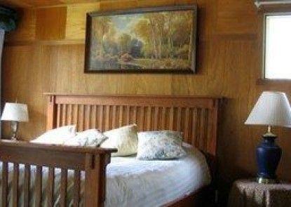 McKenzie River Mountain Resort