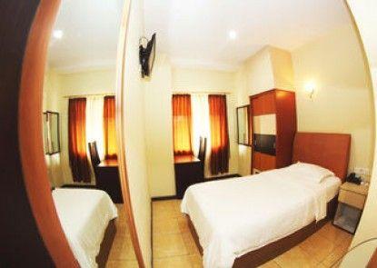 Medan Ville Hotel Kamar Tamu
